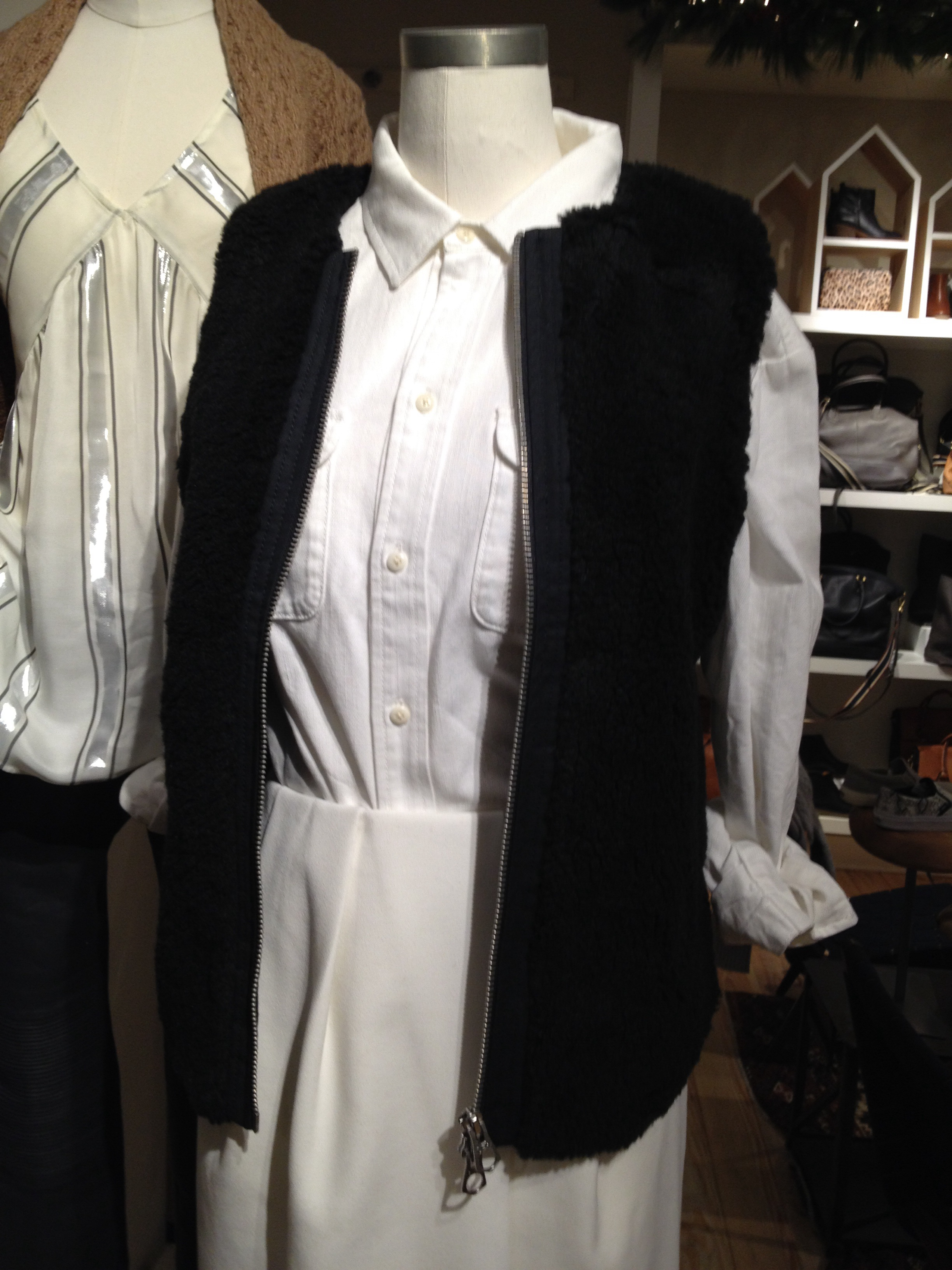 89e408152cc30 I saw this vest on the store mannequin